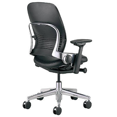 Steelcase リープチェア肘付き アルミポリシュ革張り/ブラック (直送品)