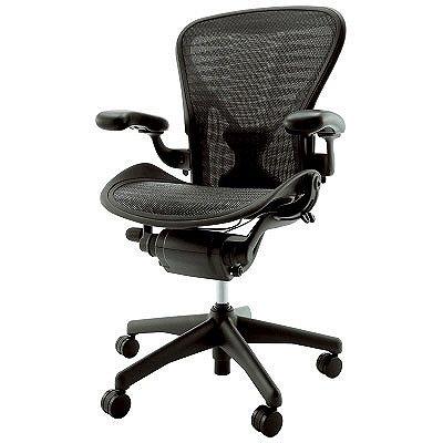 先進のエルゴノミクスが生み出す快適な座り心地のBaron[バロン]。あらゆるオフィスシーンに美しく映えるシンプル&シャープなデザイン