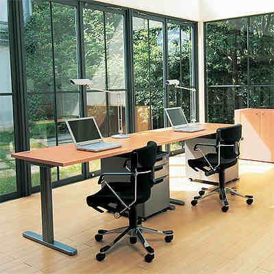 楽しい仕事場家具。機能性・耐久性・デザイン性、全部マル!