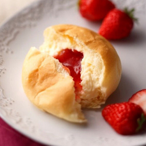 フローズンくりーむパン・あまおう苺