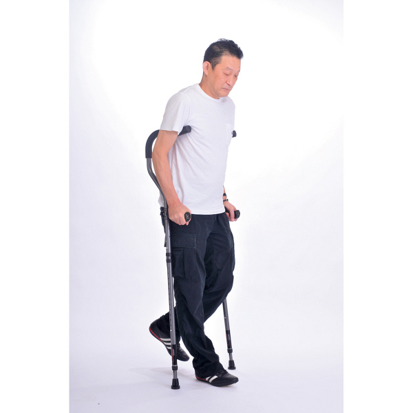 プロト・ワン折りたたみ松葉杖 ミレニアル・プロ レギュラーサイズ 2本組 17-1-1 チャコールグレー (取寄品)