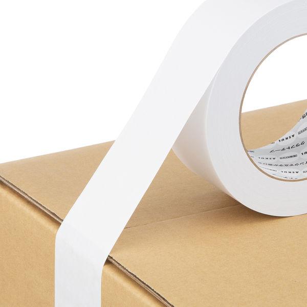「現場のチカラ」アスクル カラークラフトテープ 白 50mm×50m巻 1箱(50巻入)