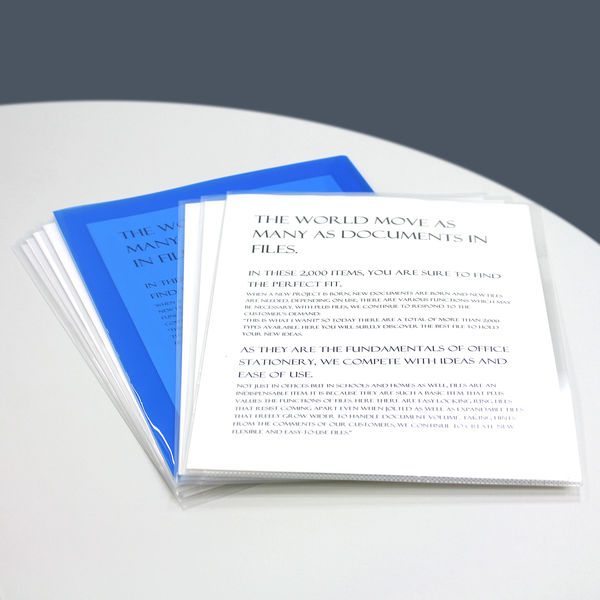 プラス カラークリアホルダー A4 1箱(600枚) 濃色ブルー