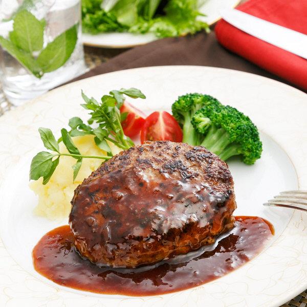 牛肉100%ハンバーグと黒トリュフソース