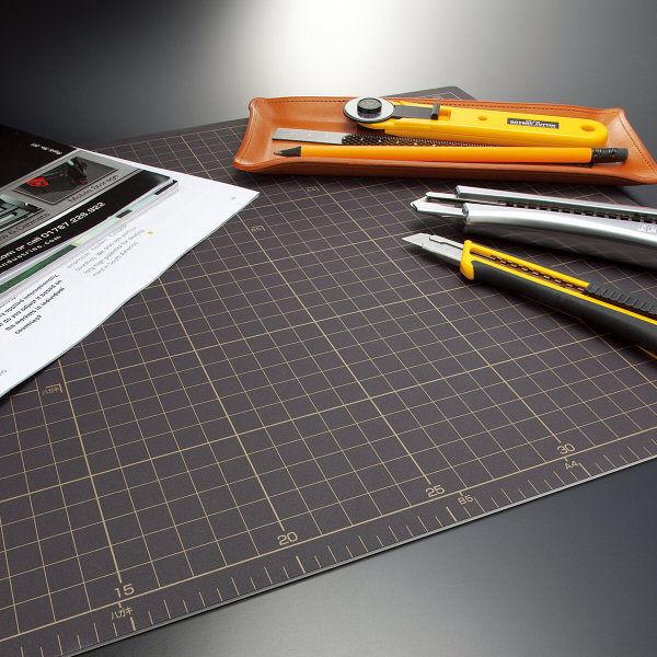 オルファ カッターマット A4 134B 1セット(3枚:1枚×3)