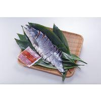 送料無料 北海道産新巻鮭と鮭といくらのルイベ漬セット 700g(北海道産新巻鮭姿切身(半身))、100g(北海道産いくらルイベ漬) 冷凍(直送品)