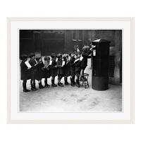 アートプリントジャパン 「Children Lined Up to Mail Letters」 フレーム/L/ホワイト 1枚