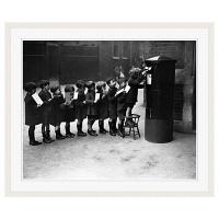 アートプリントジャパン 「Children Lined Up to Mail Letters」 フレーム/XL/ホワイト 1枚