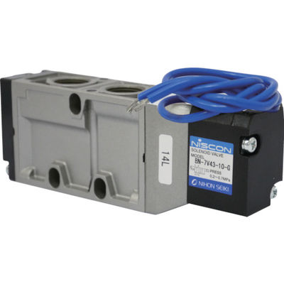 日本精器 4方向電磁弁10AAC200Vグロメット7Vシリーズシングル BN-7V43-10-G-E200 1個 104-5326 (直送品)