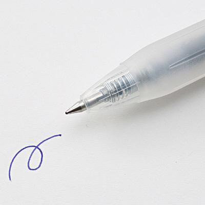 さらさら描けるゲルボールペンノック式