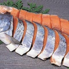 084 特上新巻鮭切身「B」 1本・2~2.3kg