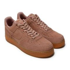 NIKE AIR FORCE 1 '07 LV8 SUEDE(ナイキ エア フォース 1 07 LV8 スエード)PARTICLE PINK/PARTICLE PINK【メンズ レディース スニーカー】17HO-I