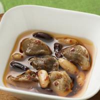 国産鶏砂肝のコンフィ 2色のインゲン豆を添えて