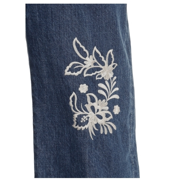 刺繍デニムパンツ