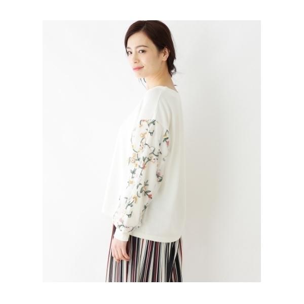花刺繍チュールスリーブカットソー