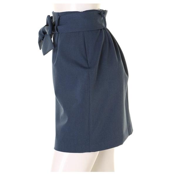 ベルト付き台形スカート