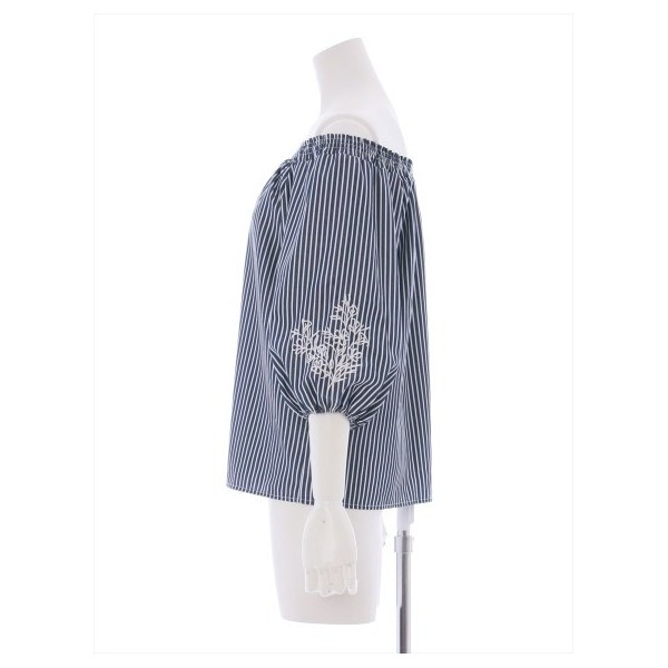 袖刺繍ストライプオフショルブラウス