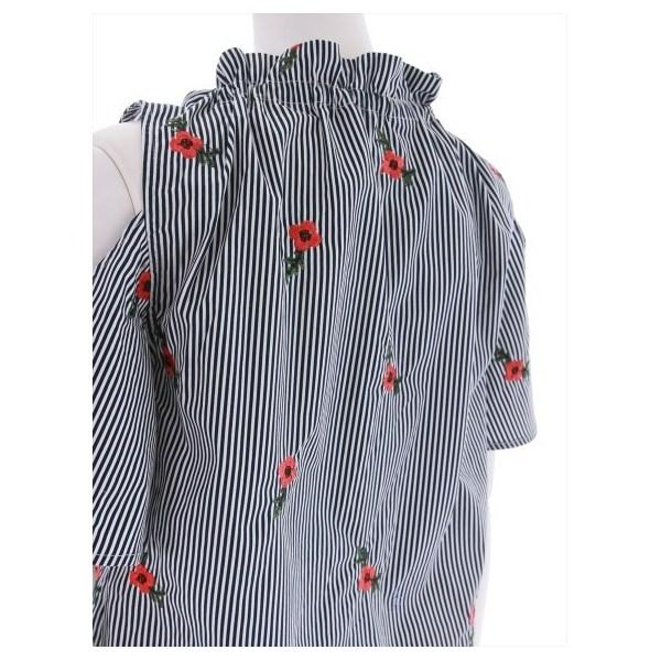 ストライプ刺繍入り半袖ブラウス