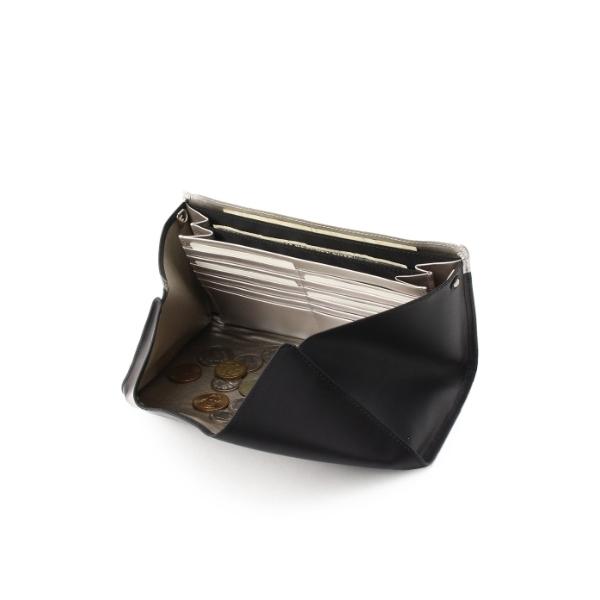QUEEN(クイーン) ショルダー付長財布