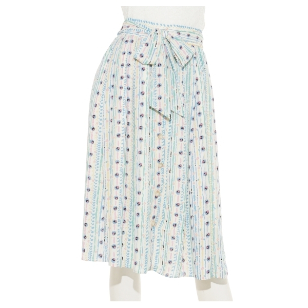 ユニークフラワー柄スカート