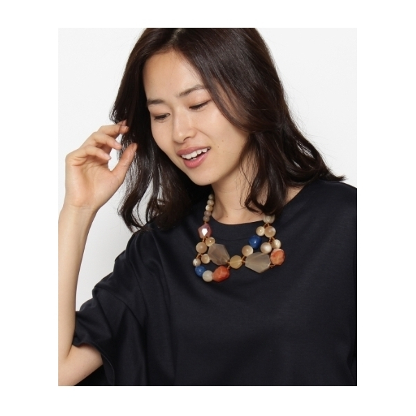 衿型ショートネックレス