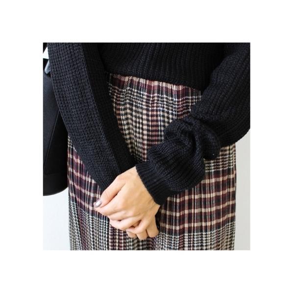 オーバーチェックプリーツスカート