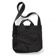 10%OFFクーポン対象商品 軽くて丈夫な ナイロンマガジンショルダーバッグ 〈ブラック〉 クーポンコード:KZUZN2T