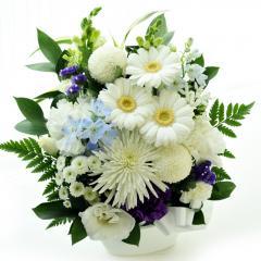 お供え花 白に青紫を入れて 生花 送料無料