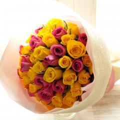 フラワーギフト 50本バラの花束 ピンク&イエローのミックス 生花 送料無料 誕生日 記念日 お祝い ギフトの画像