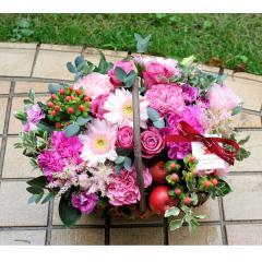 フラワーギフト ガーベラのガーデンバスケットピンク 生花 送料無料の画像
