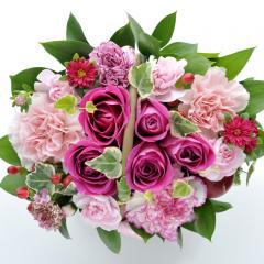フラワーギフト ミニョンバスケット ピンク 生花 送料無料 誕生日 記念日 お祝い ギフトの画像
