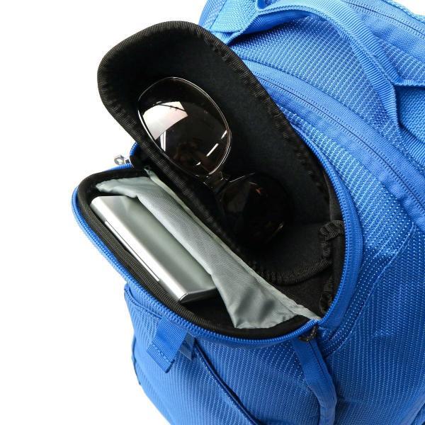 【正規品2年保証】 スーリー リュック THULE バックパック Thule Crossover Backpack 32L 2層式 リュックサック デイパック 大容量 B4 A4 PC収納 撥水 通勤 旅行 アウトドア メンズ レディース TCBP-417 Black