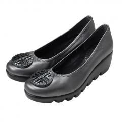 FIRST CONTACT ファーストコンタクト 日本製 ウエッジソール パンプス バックルデザイン 5.5cmヒール  厚底  痛くない 歩きやすい 低反発 美脚  39001 レディース 靴