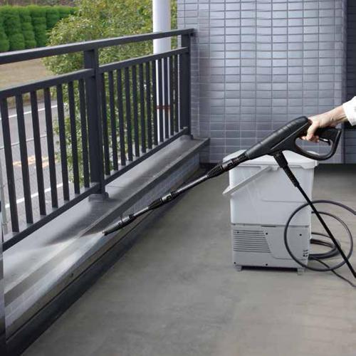 LOHACO - 10%OFFクーポン対象商品 タンク式高圧洗浄機 ホワイト SBT-412N(568833) アイリスオーヤマ (送料無料)  クーポンコード:WGWYGKJ (高圧洗浄機) アイリスプラザ LOHACOモール店