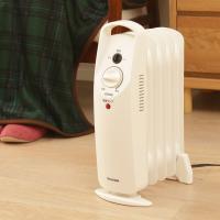小型オイルヒーター ミニオイルヒーター POH-505K-W 暖房 暖房器具 500W トイレ 室内 (7067686) アイリスオーヤマ 【ポイントフェスタ】