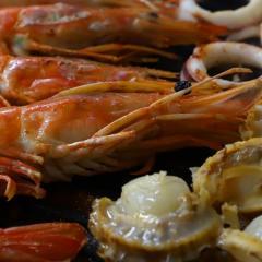 魚介の鉄板焼き・炒め物セット(3~4人前)(ほたて6個、赤海老6尾、いかリング150g)【冷凍でお届け】