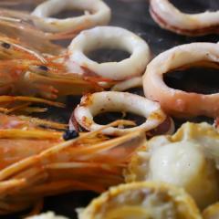 魚介の鉄板焼き・炒め物セット(2~3人前)(ほたて4個、赤海老4尾、いかリング100g)【冷凍でお届け】