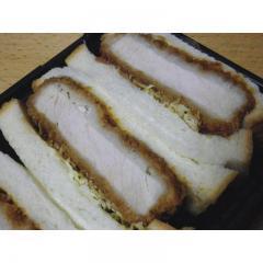 【新登場】<本日調理したお惣菜をお届け>こだわりのロースカツサンド(3切入)【16時~23時時間指定商品】
