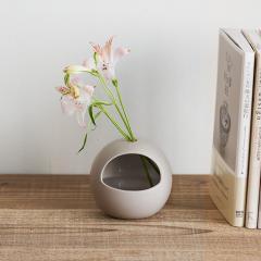 カビン グレー /  Kabin Gray 花瓶