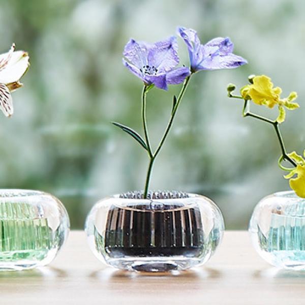 +d ミチクサ 炭 | 一輪挿し 花器 アッシュコンセプト