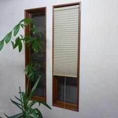 断熱スクリーン 突っ張り棒なし 幅35×高さ135cm 小窓用断熱スクリーン ハニカムシェード ベージュ