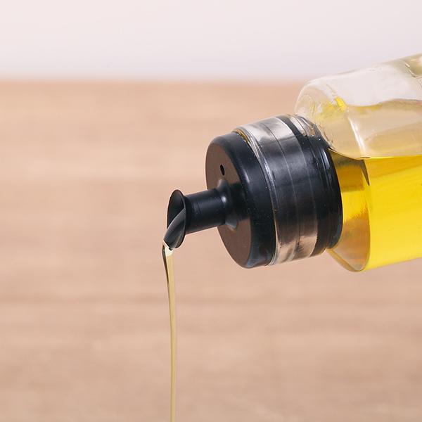 入れる 容器 油