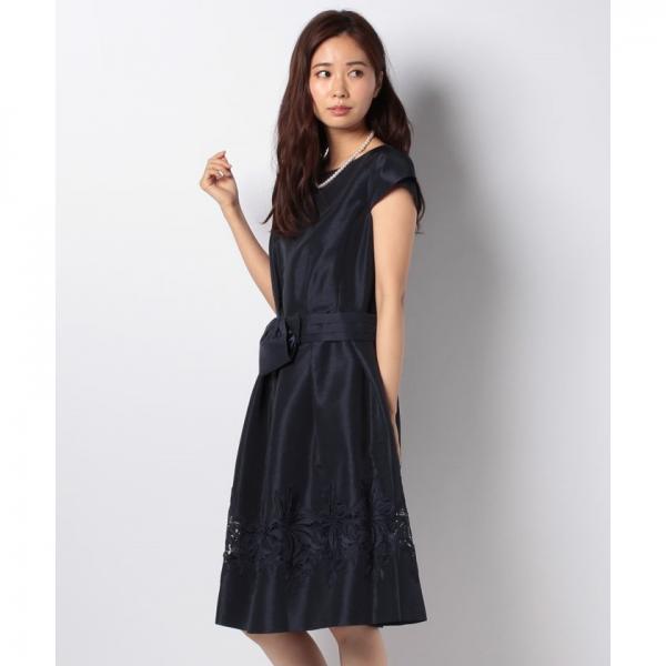 裾ケミカルレースドレス