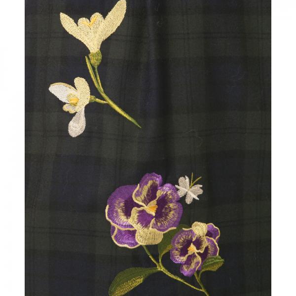 フラワー刺繍ウールワンピース