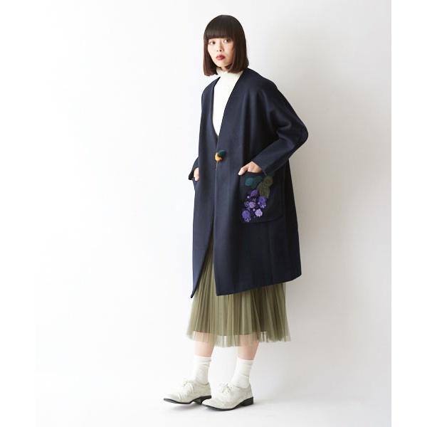ぶどう刺繍コート