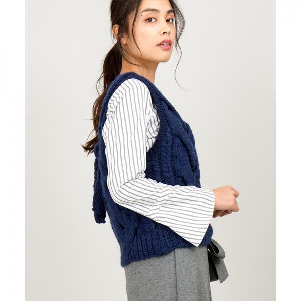 【liina/リイナ】ケーブル編みバックデザインベスト