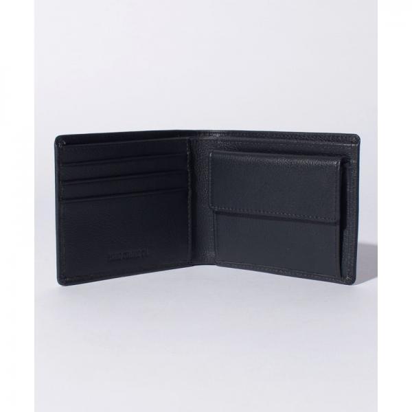 シンプルな2つ折り財布