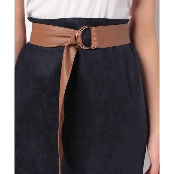 リングベルト付きタイトスカート
