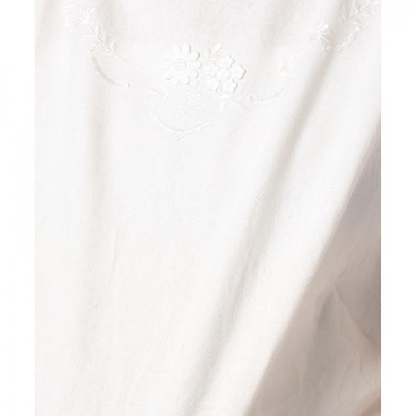 立体刺繍プルオーバーブラウス