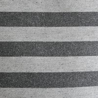 グレー/ブラック